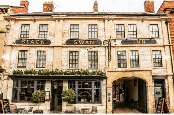 Black Swan Inn, Devizes frontage